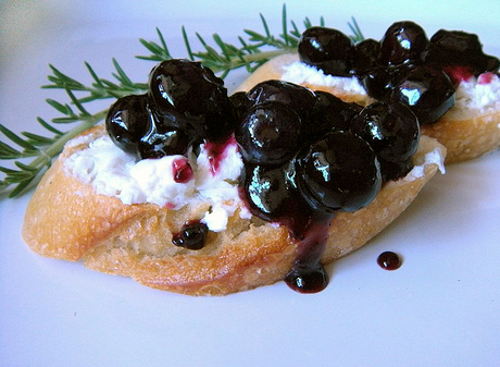 BlueberryJam_Crostini
